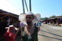 Манекен з капелюхом
