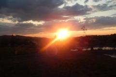 Схід сонця над озерами
