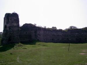 Двір замку у Бучачі