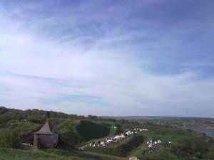 Табір рицарів біля замку у Хотині