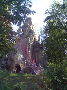 Скеля Білий Камінь, Дора, Яремче