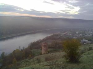 Раковецький замок і Дністер