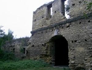 Брама і палац чернелицького замку