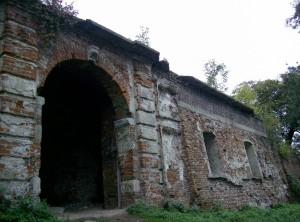 Брама замку у Маріямполі