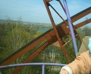 Чортове колесо в Івано-Франківському парку