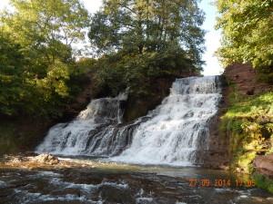 Червоноградський водоспад на ріці Джурин
