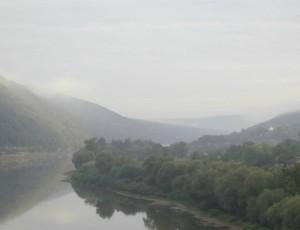 Дністровський каньйон у ранковому тумані