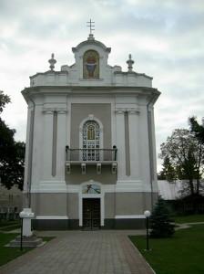 Фасад городенківської церкви Успіння Пресвятої Діви Марії