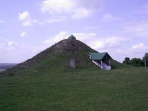 Галичина могила в Крилосі (зараз вона виглядає трохи інакше)