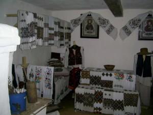 Інтер'єр опільської хати в Крилосі