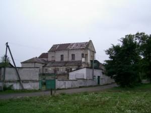 Кляштор - католицький монастир у Марнополі. Збереженість хороша, однак зараз тут жіноча колонія.