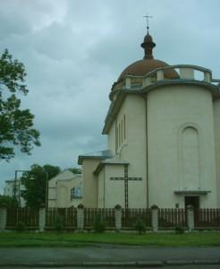 Костел на вулиці Вовчинецькій