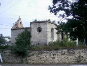 Костел святого Валентина у Михальче та залишки оборонного муру