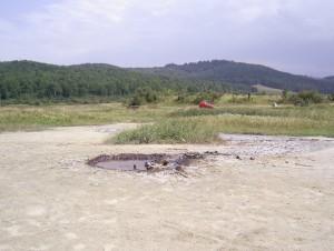 Кратер грязевого вулкану