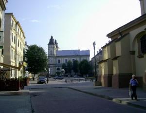 Майдан Шептицького та Катедральний собор Святого Воскресіння