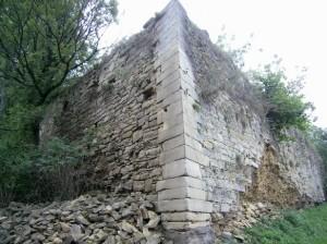 Наріжний кут бастіону чернелицького замку