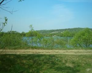 Озеро на Каскаді та Вовчинецькі гори