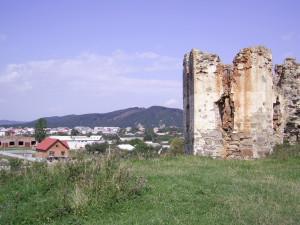 Башта Пнівського замку у місті Надвірна