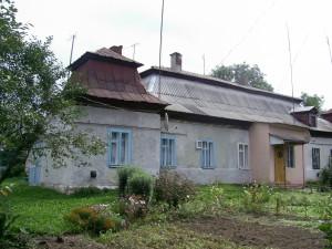 Багатоквартирний будинок - колишній замок Балабанів