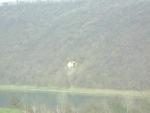 Скельний монастир у селі Стінка навпроти села Делева