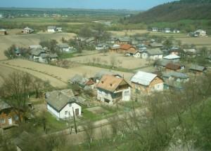 Підгороддя у Крилосі і ріка Луква - найкрасивіший краєвид Галицького району