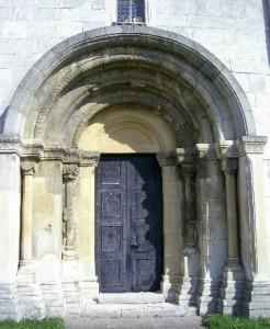 Різьбленому порталу на храмі Пантелеймона понад 800 років
