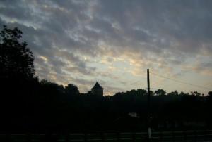 Старостинський замок у Галичі увечері
