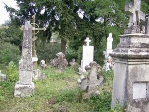 Старовинне кладовище біля церкви Святого Духа