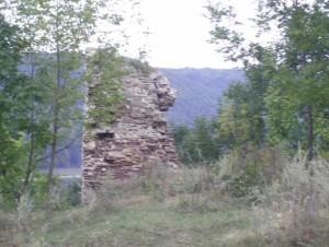 Стіна - залишок бастіону раковецького замку