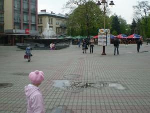 Вічевий майдан в Івано-Франківську і музичний фонтан
