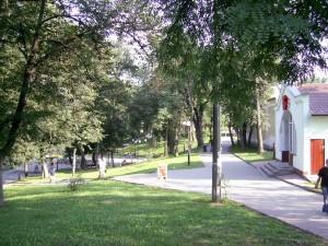Вулиця Валова, колишня назва - Гетьманські вали, залишки валів та бастіонів