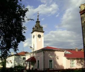 Витончена болехівська ратуша