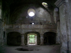 Інтер'єр костелу в Червонограді