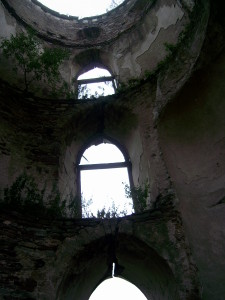 Всередині башти Червоноградського замку
