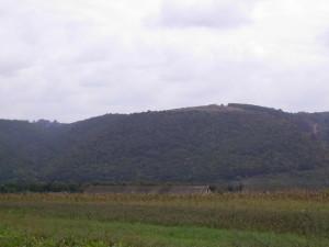 Червона гора у Хмелевій