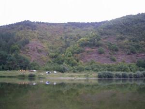 Червона гора у селі Хмелева