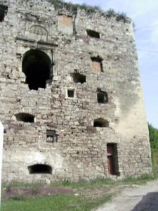 Башта язловецького замку у смт Язловець