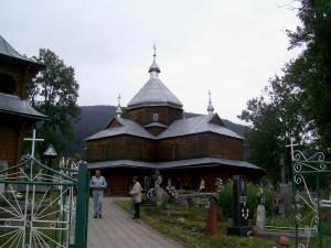 Церква у центрі міста Яремче