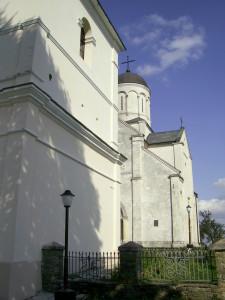 Храм Пантелеймона та дзвінниця костел святого Станіслава у селі Шевченкове