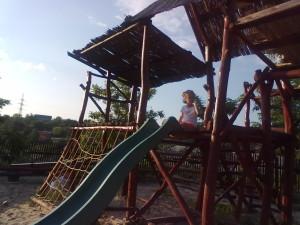Дитячий майданчик на базі Дачія-Люкс