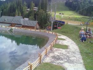 Озеро біля другого підйомника в Буковелі