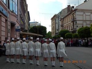 Оркестр музичного училища навпроти стоматологічного корпусу Медакадемії
