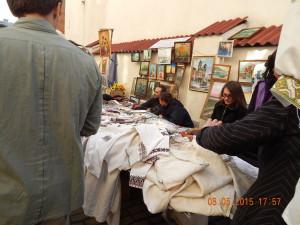 Вишивані сорочки і картини на день міста