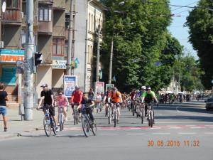 Велосипедисти на вулиці Лепкого