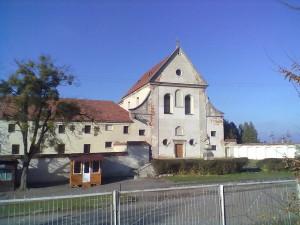 Монастир і костел в Олеську