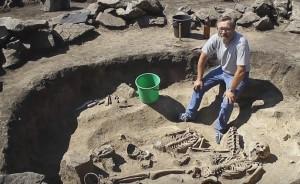 Дослідження стародавнього поховання