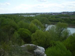 Вовчинцькі гори і ріка Бистриця