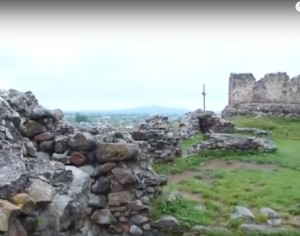 Руїни замку у Виноградові