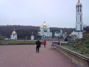 Зарваниця у Тернопільській області - цілюща вода і молитва допомогають боротися з хворобами очей