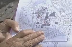 Карта стародавнього поселення з розкопаними квадратами